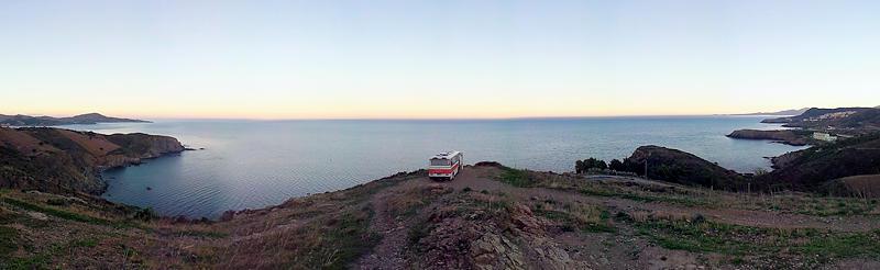 der alte Herr Magirus über dem Meer am frühen Morgen