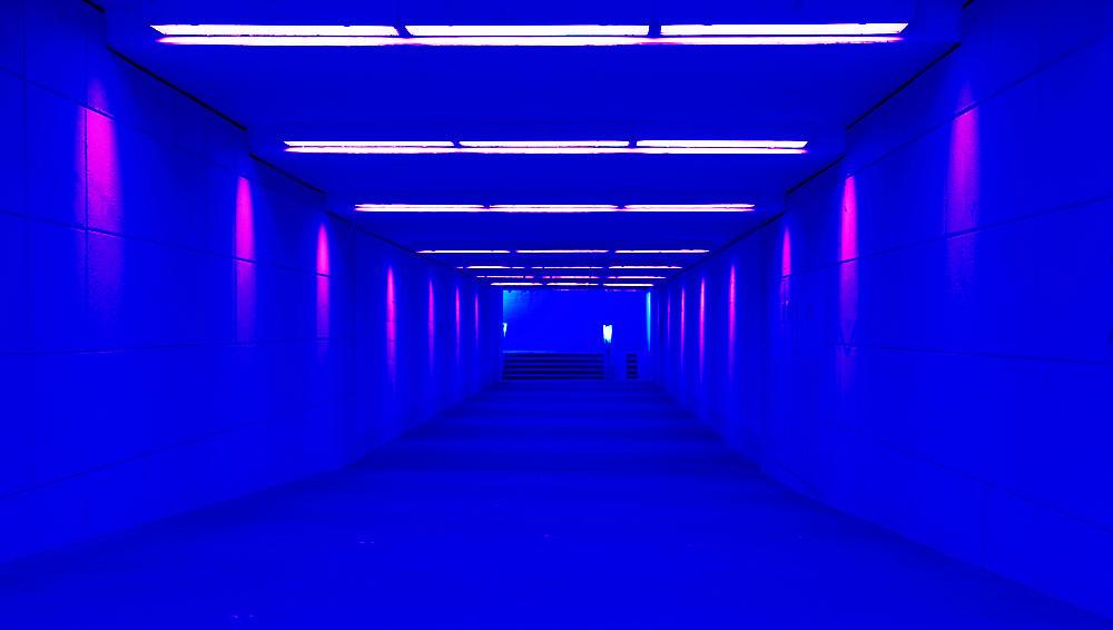 Perspektive ~ hier im gewohnten Fall der Zentralperspektive mit der Neigung zur Tunnelperspektive